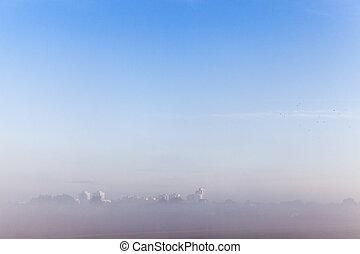 mañana, ciudad, en, el, niebla