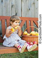 mały, apetyt, gruszka, soczysty, dziewczyna
