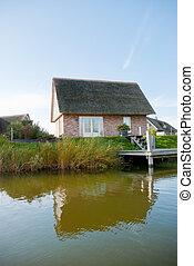 mały dom, lakefront
