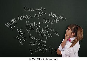 mały, dziewczyna, myślenie, o, obcokrajowy, frazy