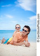 mały, jego, córka, godny podziwu, ojciec, plaża, szczęśliwy