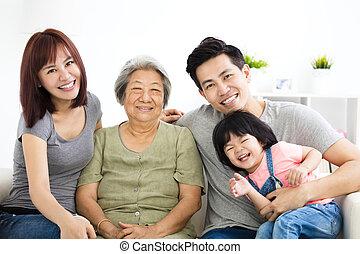 mały, jej, babcia, rodzice, dziewczyna, szczęśliwy