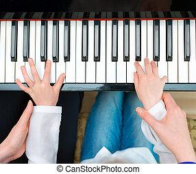 mały, kobieta, górny, gra, piano., nauczanie, prospekt., dziewczyna