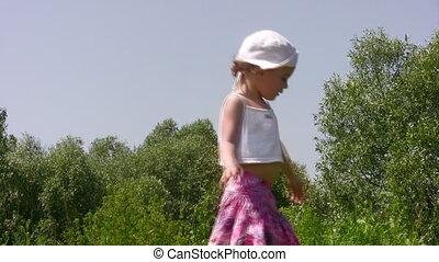 mały, na wolnym powietrzu, dziewczyna, taniec