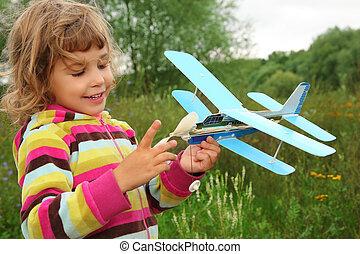 mały, na wolnym powietrzu, zabawka, siła robocza, dziewczyna, samolot