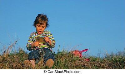 mały, papier, coś, dziewczyna czytanie