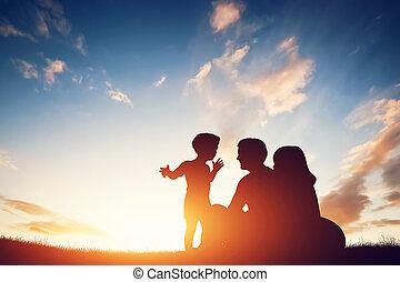 mały, rodzina, dziecko, ich, rodzice, razem, szczęśliwy, ...