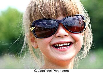 mały, sunglasses, cielna, ładna dziewczyna, uśmiechanie się