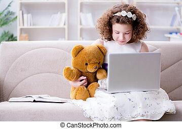 mały, surfing, laptop, dziewczyna, internet