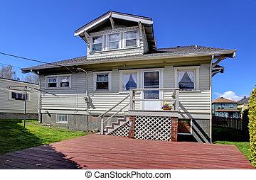 mały, szary, stary, uroczy, dom, plecy dziedziniec, exterior.