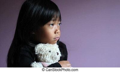 mały, teddy, tulenie, smutny, niedźwiedź, dziewczyna