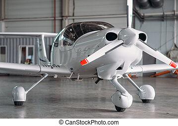 mały, turbo-propeller, airplane szeregowiec, hangar