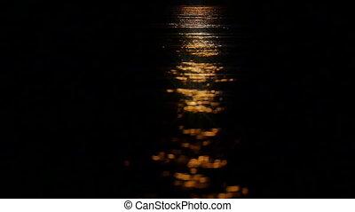 maanlicht, water, weerspiegelingen