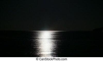 maanlicht, weerspiegelingen, op, de, water