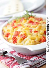 Macaroni cheese - Macaroni and cheese with tomato in the...