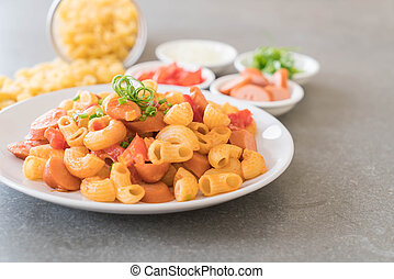 macaroni with sausage