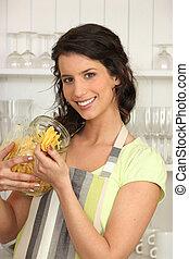 macarronada, mulher, cozinha