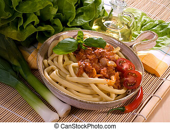 macarrones, bolognese