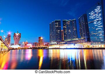 macau, cityscape, közül, bridzs, és, felhőkarcoló, makaó,...
