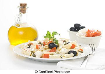 maccheroni, ogive, capperi, mozzarella fresca, insalata, ...