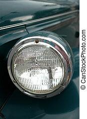macchina antica, luce testa