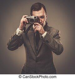 macchina fotografica, retro, uomo, bene-vestito