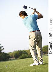 macho, de, curso, teeing, golf, golfista