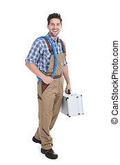 macho, electricista, con, arrollado, alambre, y, caja de herramientas