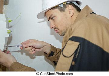 macho, electricista, reparación, eléctrico, tabla
