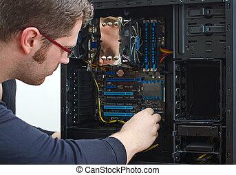 macho, técnico, reparación, computadora, en, tienda