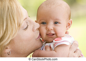 macierz, całowanie, niemowlę, outdoors