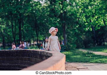 macierz, mały, reputacja, miasto, fontanna, młoda córka