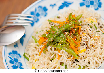 Macro of simple noodle dish