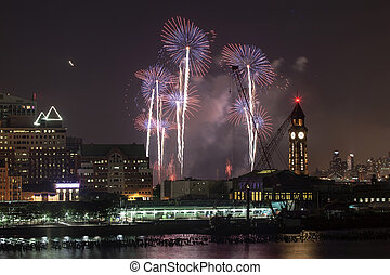 Macy's Fourth of July Fireworks in New York City - New York...