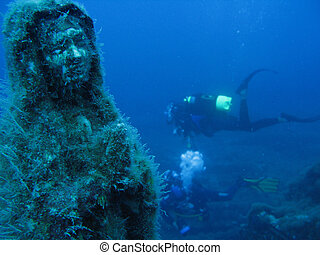 Maddalena of the abyss - Maria Maddalena submerged statue.