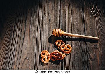 madeira, bagels, jarro, cima, mergulhador mel, tabela, fim