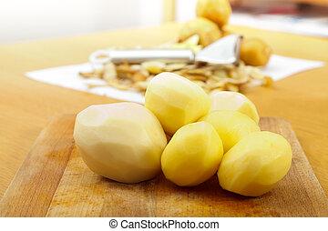 madeira, batatas, descascado, prato