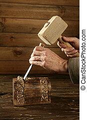 madeira, cinzel, martelo
