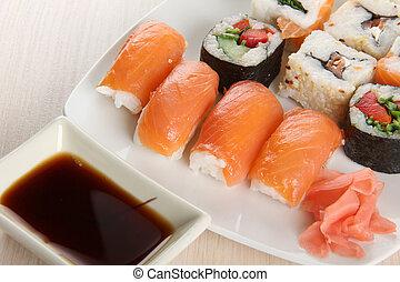 madeira, peixe,  sushi, prato