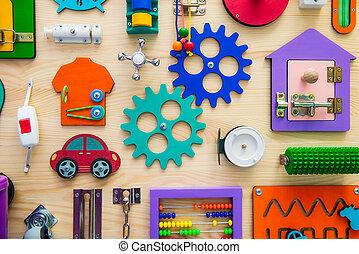 madeira, seletivo, luminoso, crianças, educacional, busyboard., diy, cima, jogo, toys., ocupado, children., tábua, board., foco, fim