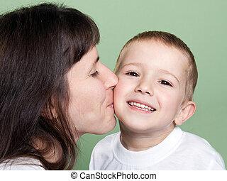 madre, besar, niño