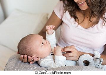 madre, con, bebé recién nacido