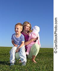 madre con los niños