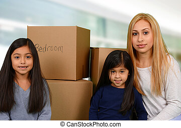 madre, con, tre, bambini, e, spostamento, scatole