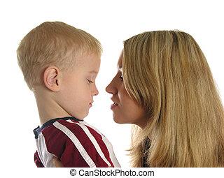 madre, con, triste, niño