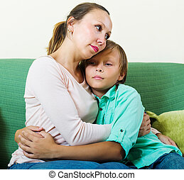madre, consolare, mezza età, adolescente, triste