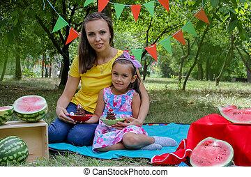 madre e hija, teniendo, verano, picnic