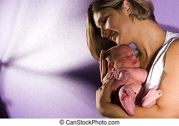 madre, presa a terra, neonato