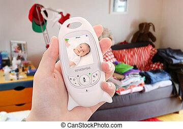 madre, tiene, no, tiempo, para limpiar, arriba, el, casa, because, de, bebé