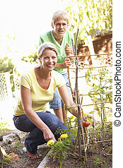 madre, y, adolescente, hijo, relajante, en, jardín